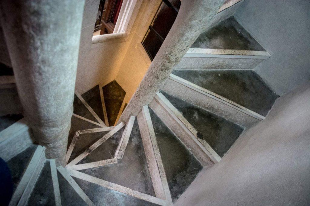 Dvojité, gotické, točité schodisko v Dóme sv. Alžbety. Je jedným z piatich zachovaných v v strednej európe.